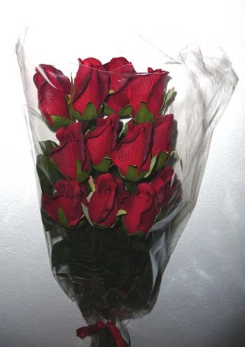 Dozen Roses Single Stem