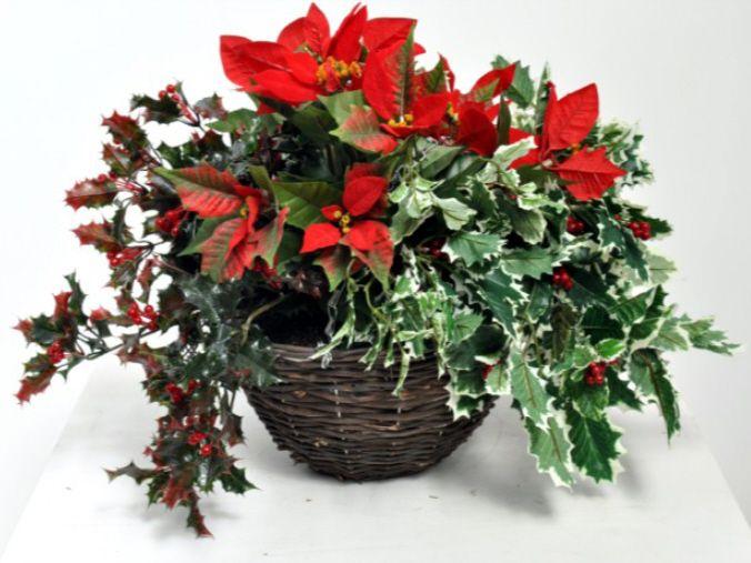 artificial christmas hanging basket just artificial. Black Bedroom Furniture Sets. Home Design Ideas