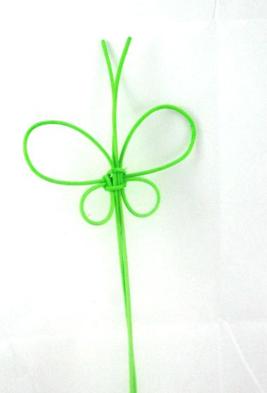 Picture shows 1 loose Raffia Butterfly