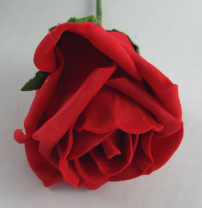 Artificial Colourfast Rose Bud Bunch - 21cm RED (close up of single rose head)