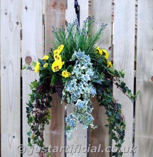 Hanging Flower Baskets Winter : An error has occured