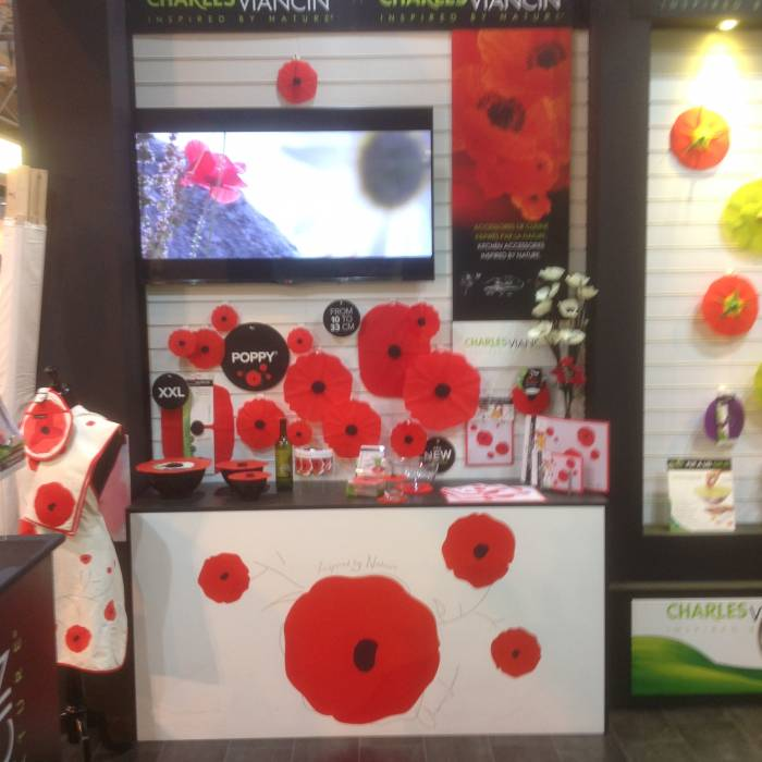 Showing our artificial silk Decor Poppies in a 'Poppy Display', sent in by one of our customers