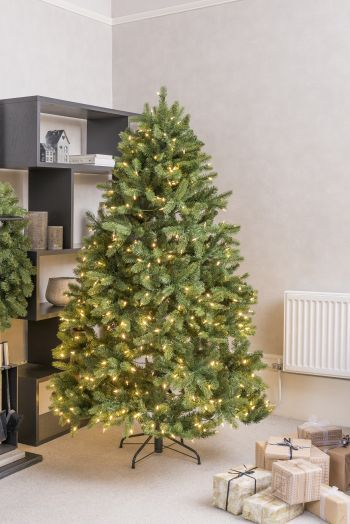 Luxury Artificial Newberry Christmas Tree LED