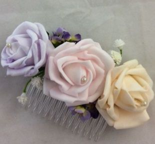 Triple Rose Comb with Gypsophila