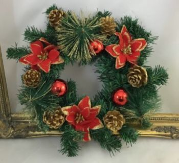 Spruce Wreath with Pine Cones / 3 Red Poinsettia